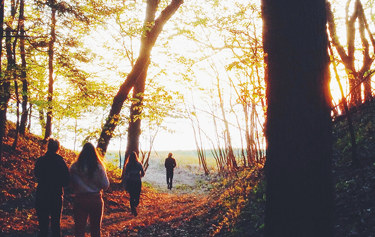 5 Ways to Have Summer Fun with Friends Without Going Broke