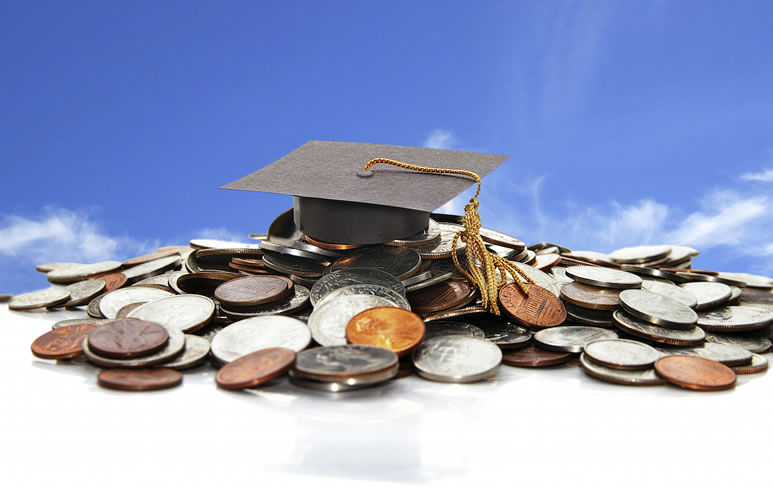 How to Keep Your Student Loans in Check While Still In School